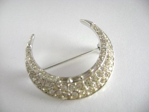 vintage Lisner crescent brooch pin rhinestones on silver beautiful condition