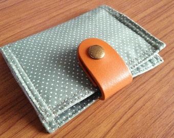 Card Organizer -  Green Polkadot (20 pockets card holder included)