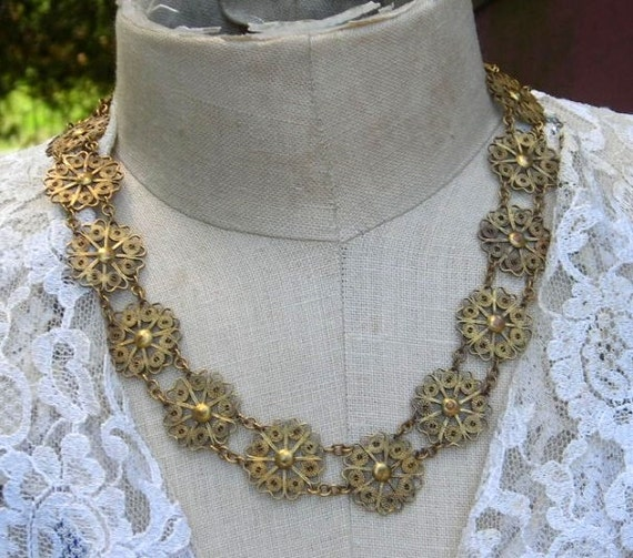 Vintage Filigree Wire Ethnic Flower Necklace Gold Tone
