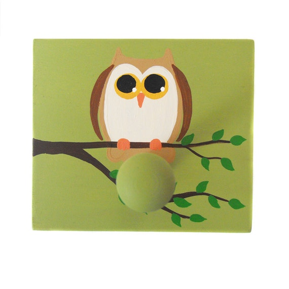 Shaker One Peg Wall Board - Rack  for Hat Towel Robe or Coat - Custom Hand Painted Owl - Woodland Forest Animal or Any Theme