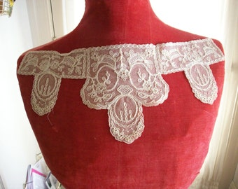 1920s antique fine lace collar of embroidery on net