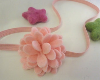 Felt elastic headband -Wool felt -Sweet blossom -pale pink