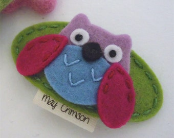 Felt hair clip -No slip -Wool felt -Orla the owl -sage green