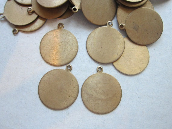 SALE - vintage brass tags - ROUND, circle - brass stampings - 10 pieces - 19mm