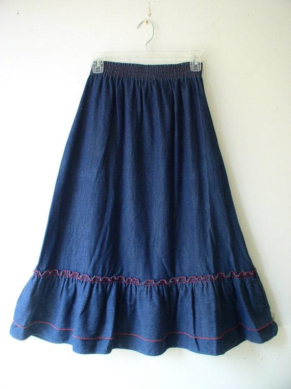 vintage 1970s womens skirt prairie denim ruffled bottom