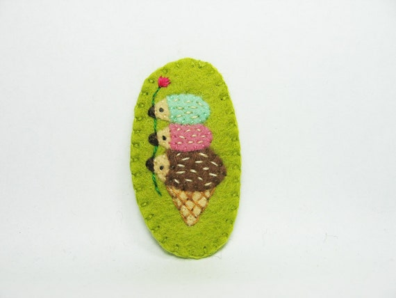Ice hedgehogs with flower topping felt brooch