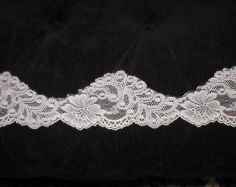 Vintage French Chantilly Lace Trim ivory / pink