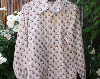 1970's Men's Shirt Cream Ivory With Rust Abstract Vintage Retro 70s Polyester Disco Size Medium  Large Pointed Collar Hipster