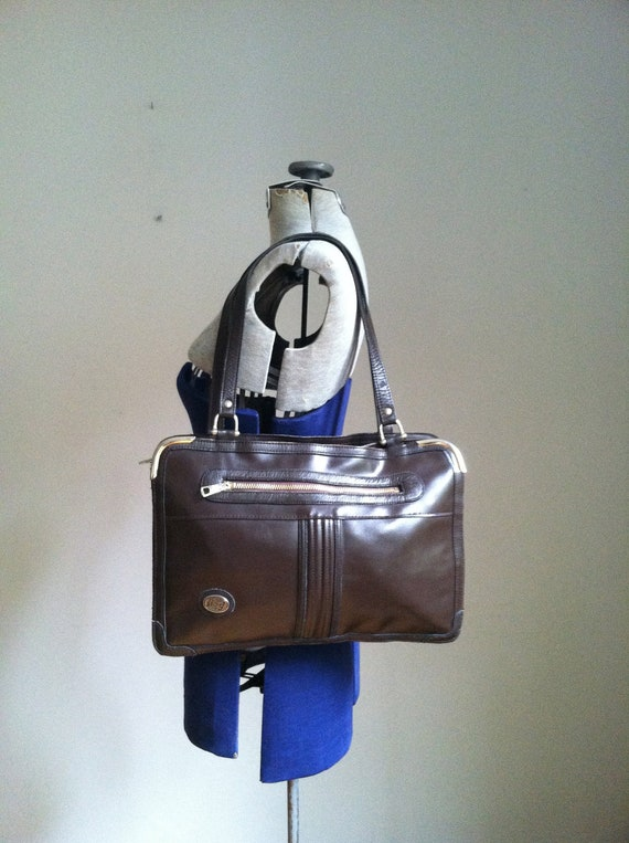 sale 1970's stylish handbag. beautiful.