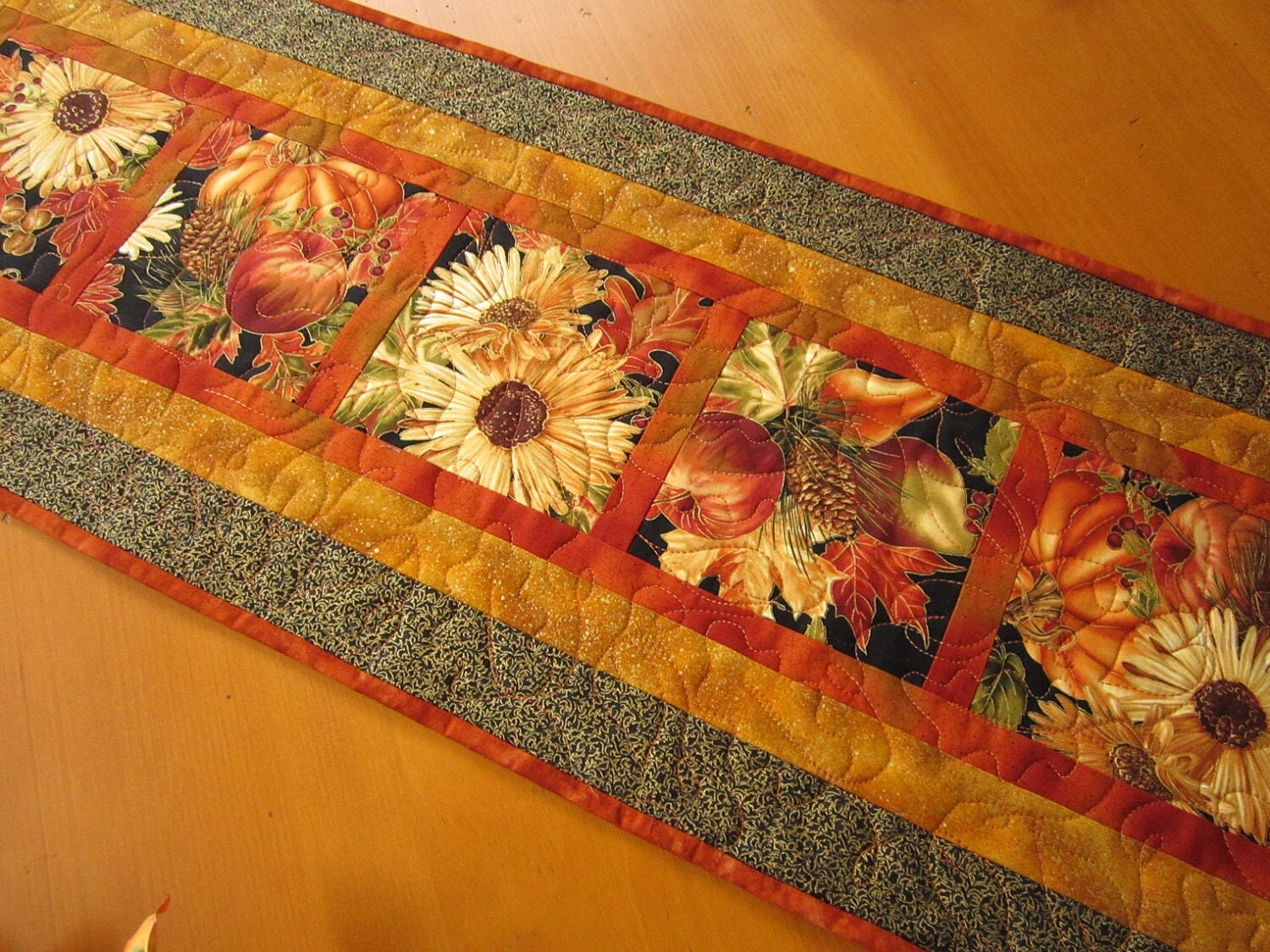Thanksgiving Quilted Table Runner Patterns : Thanksgiving Table Runner Fall Harvest Quilted Table Runner