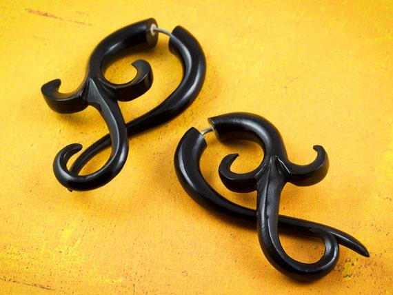 Fake Gauges, Fake Plugs, Handmade Horn Earrings, Tribal Style -  Large Asalah Twists
