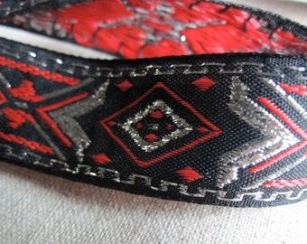 Diamond X geometrix jacquard ribbon in RED and SILVER