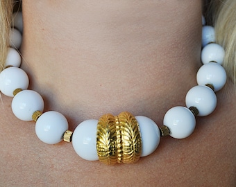 Vintage Chunky White and Gold Necklace