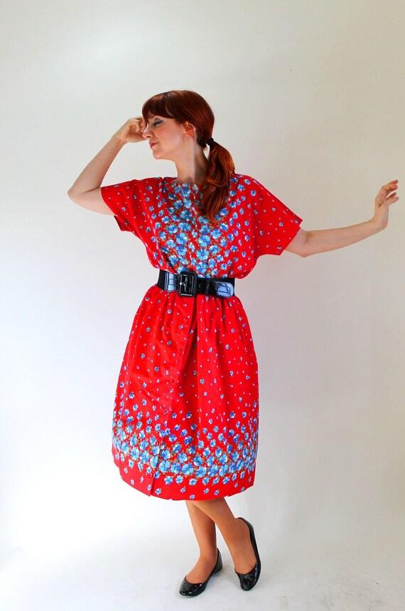 Red Blue Floral Day Dress Set. Spring Fashion. Size Large