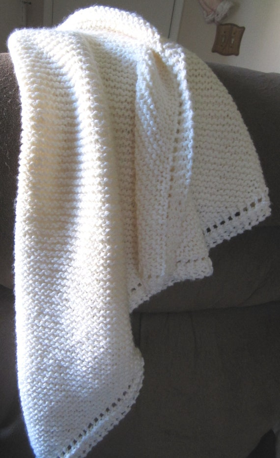 Knit baby blanket chunky yarn off white Free Shipping
