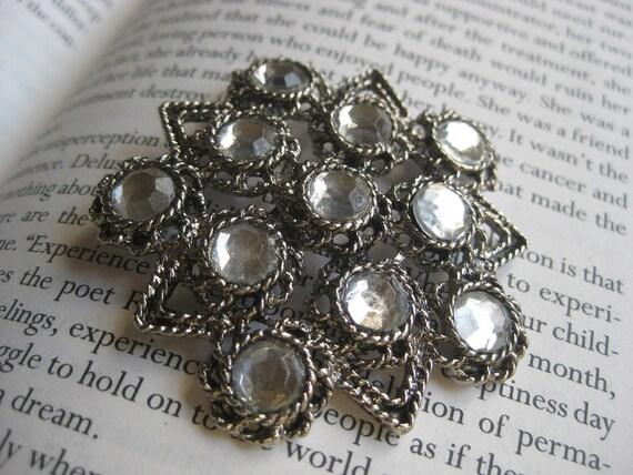 Star Vintage Brooch Pin  Vintage Star / Brooch Antique Silver Tone 11 Clear Crystals