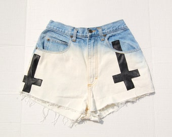 SALE!!!!!!!!!!!! Dip bleached shorts with double inverted crosses