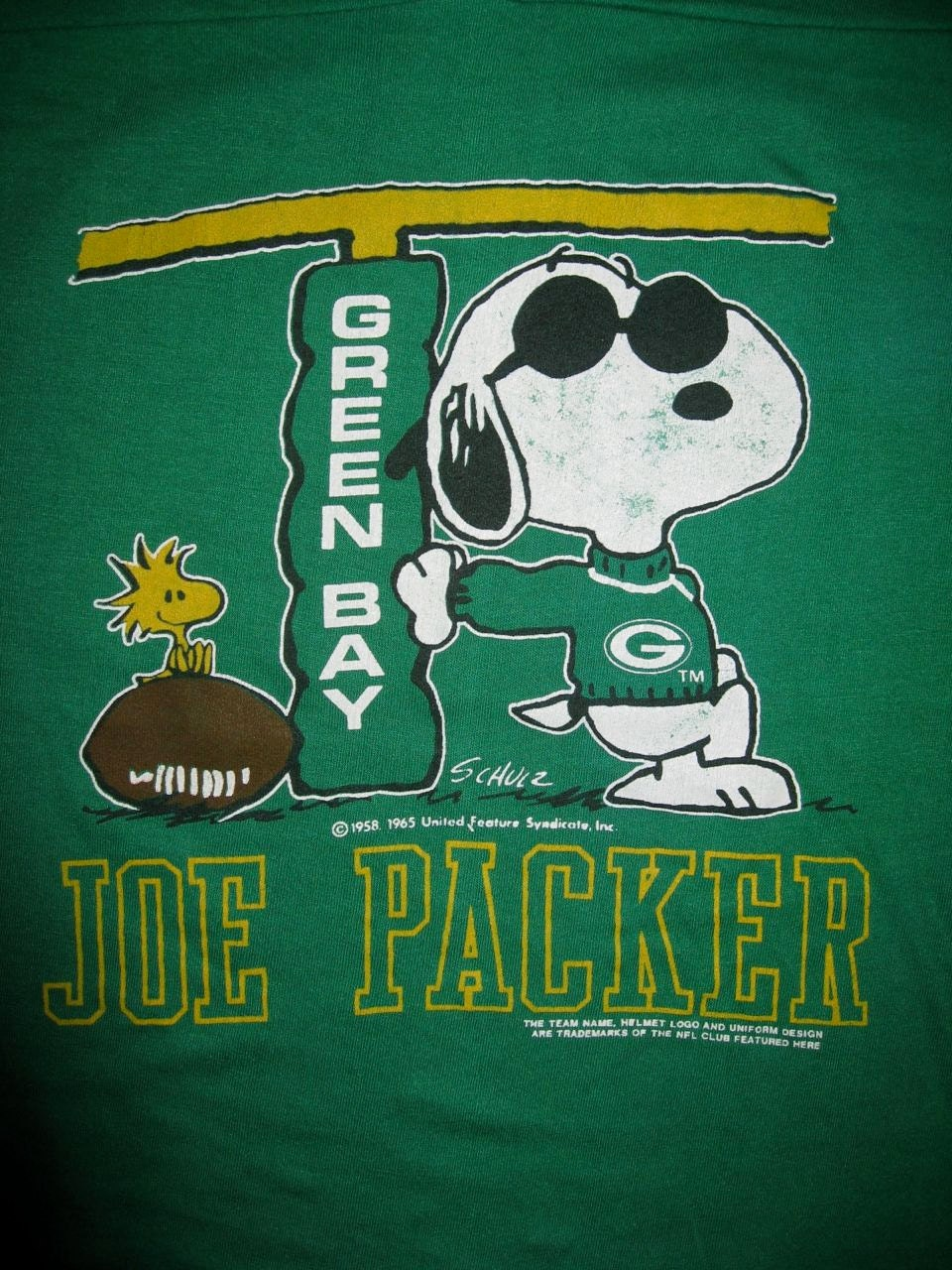 Vintage 1980 39 s football jersey green bay packers snoopy for Green bay packers retro shirt
