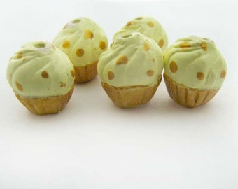 4 Tiny Gold Cupcake Beads - CB830