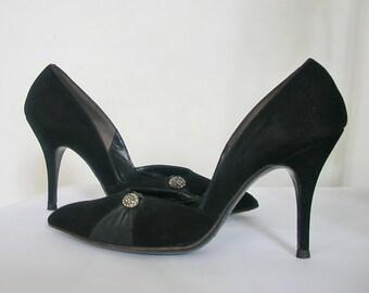1950s pumps - 50s shoes -stilettos - black pumps - pointed toe - pin up shoes - rhinestone shoes - mad men - size 6