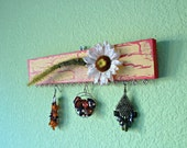 Earring Hanger - Daisy and Grass - Red & Yellow #25
