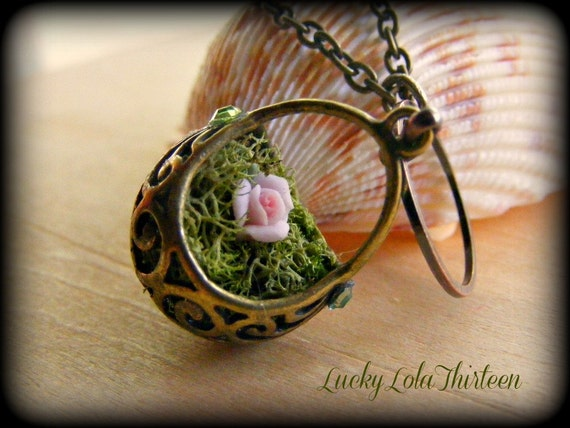 Swarovski and Filigree moss basket necklace