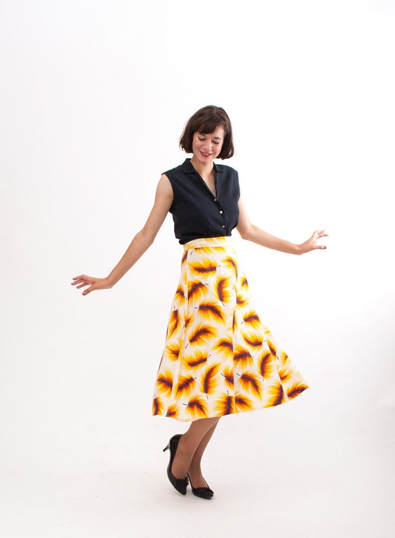 Vintage 1940s Skirt - 40s Full Skirt - Mustard Feather Print