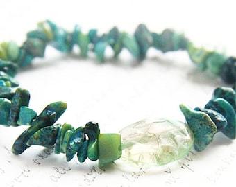 Bohemian Jewelry, Green Azurite Chrysocolla Stone Bracelet. Stackable Bracelet. RAW Stone Bracelet. Large Hammered Art Glass Bead Green Blue