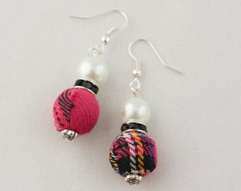 Rose with Black Tartan, Black Rondelle and White Pearl Earrings
