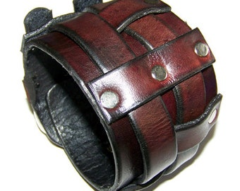 Item 122004 Doubled Belted Leather Wrist Cuff