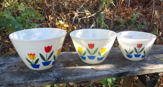 Vintage 1940s Fire King Bowls Tulip Pattern By