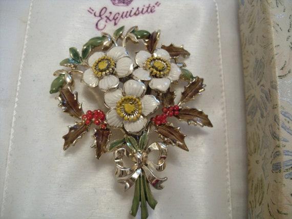 Stunning - Vintage - Exquisite - December Christmas Brooch pin- original box