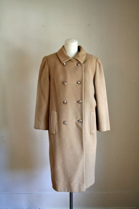 RESERVED // vintage camel peacoat -  DOUBLE breasted wool coat / M-L