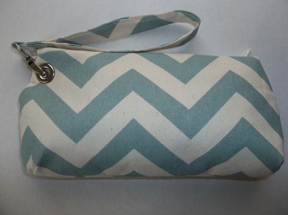 Wristlet, Clutch, Detachable Strap, Pale Blue Chevron Pattern