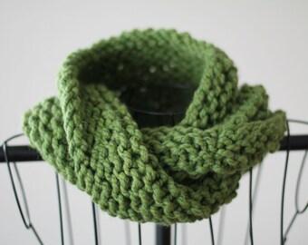 Green Hand Knit Chunky Twist Cowl Scarf