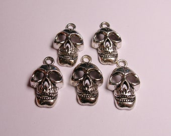 Skull Silver color charms hypoallergenic- 6 pcs - ZAS 130