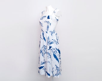 Floral 70s sundress size XS Dead stock Vintage white and blue