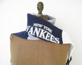 New York Yankees T Shirt Scarf / Navy Blue Gray Red White / Unisex / Fall / Autumn / Upcycled / Recycled / Cotton / Soft / Fun / ohzie