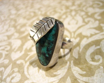 Vintage Sterling Silver Turquoise and Leaf Ring