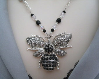 Bee Necklace, victorian jewelry art nouveau jewelry art deco jewelry edwardian renaissance medieval gothic neo victorian goth
