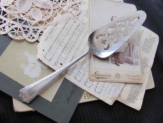 Vintage Silver Plate Pie Cake Dessert Server