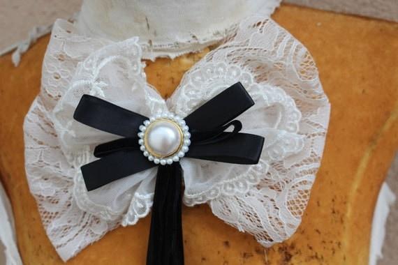 Cute bow applique