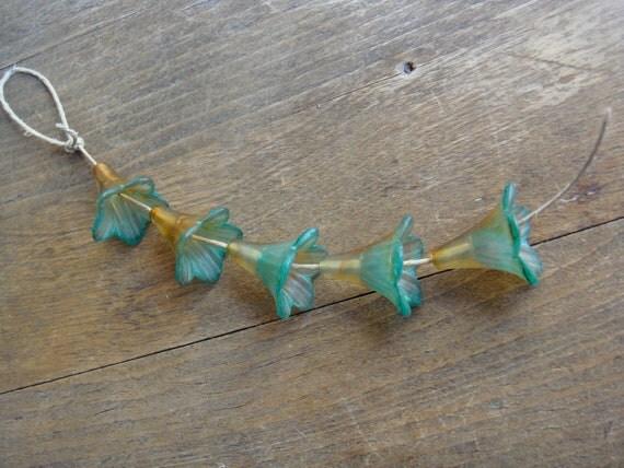 Vintage Meadow Artworks Acrylic Trumpet Flowers Aqua