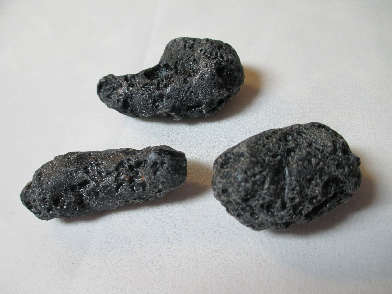 tektite meteorite stones 3 small specimen rocks natural. Black Bedroom Furniture Sets. Home Design Ideas