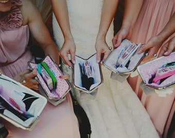 custom : bridesmaid gifts, personalized clutches, choose your fabrics, custom clutch
