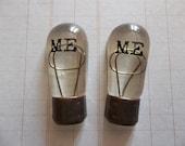 Vintage Style Light Bulb Cabochons with Typewriter Text of Word ME - Qty 2