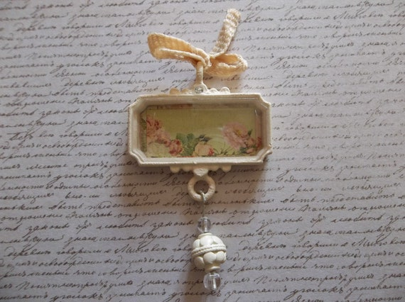Cottage Chic Ivory Trinket Vintage Inspired Rose Garden Pendant under Acrylic Glass with Bow, Rhinestone & Dangle - Qty 1