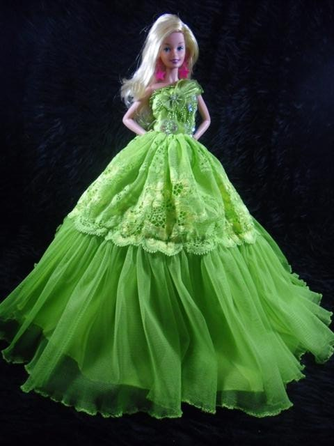 Barbie Doll Evening Green Gown Dress Royalty Collection B020