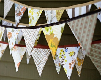 Thanksgiving Autumn Bunting Banner Pennant Flag Garland Decoration / Harvest Festival Celebration / Vintage Sheets / Shabby Chic