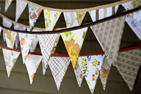 Thanksgiving Autumn Bunting Banner / Pennant Flag Garland Decoration / Fall Harvest Festival Celebration Decor - Made from Vintage Sheets